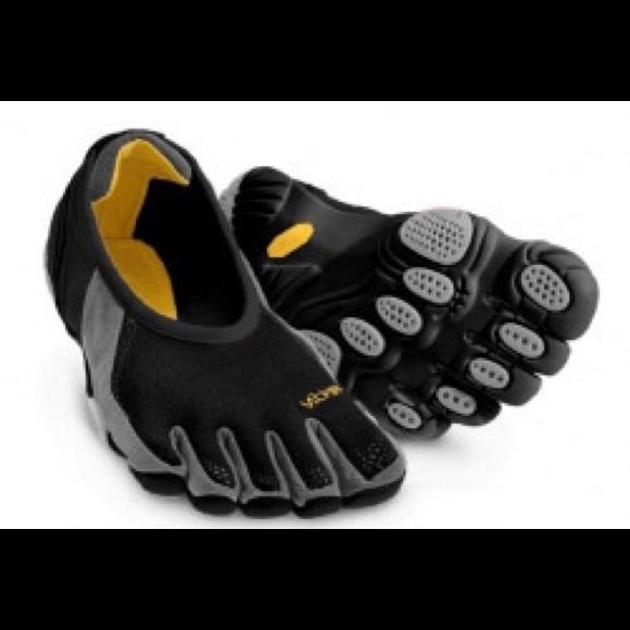 the latest 6fea9 7967b ... Fingers Jaya Shoes FINAL PRICE. M 5a820deea825a638ae5ec6ff